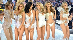VS fashion show les filles de londres