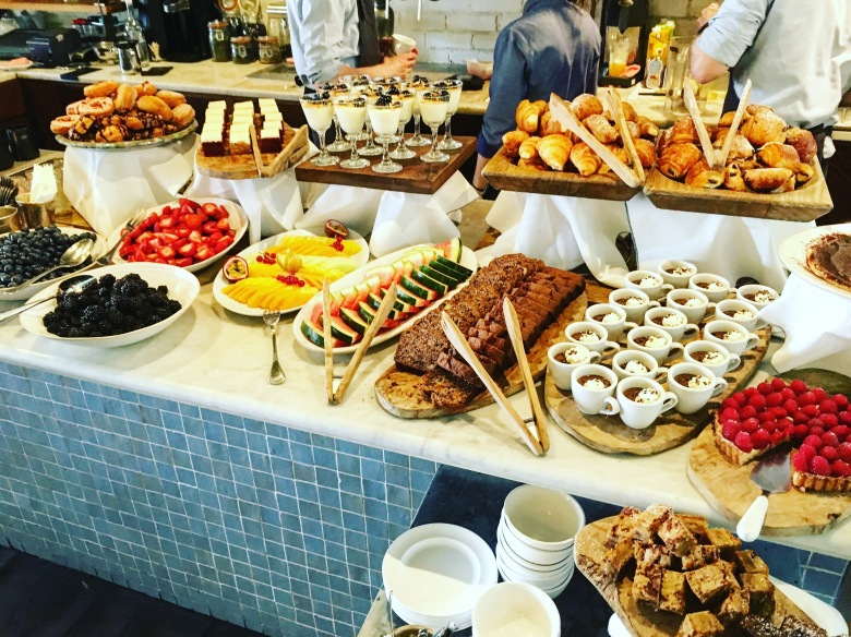 hoxton-sunday-brunch-desserts-buffet